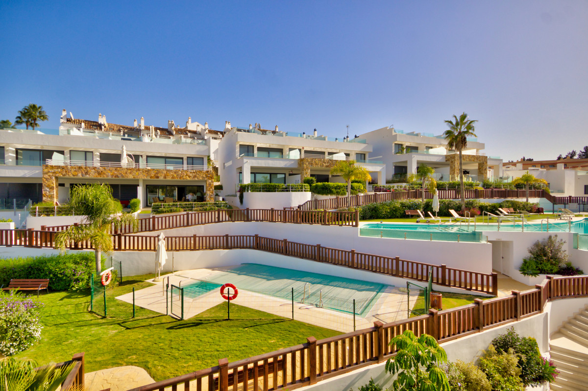 Absolutely stunning 3 and 4 bedroom brand new (never lived in) townhouse's located on Marbella&,Spain