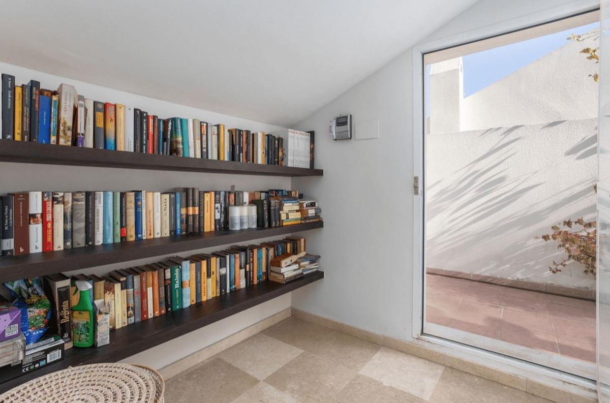 Rijhuis te koop in Nueva Andalucía R3577513