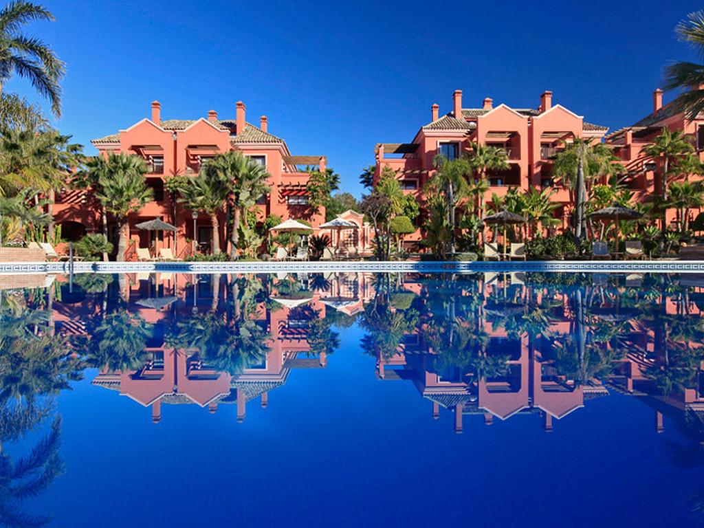 Marbella Banus Apartamento Planta Baja en venta en Puerto Banús – R3222829