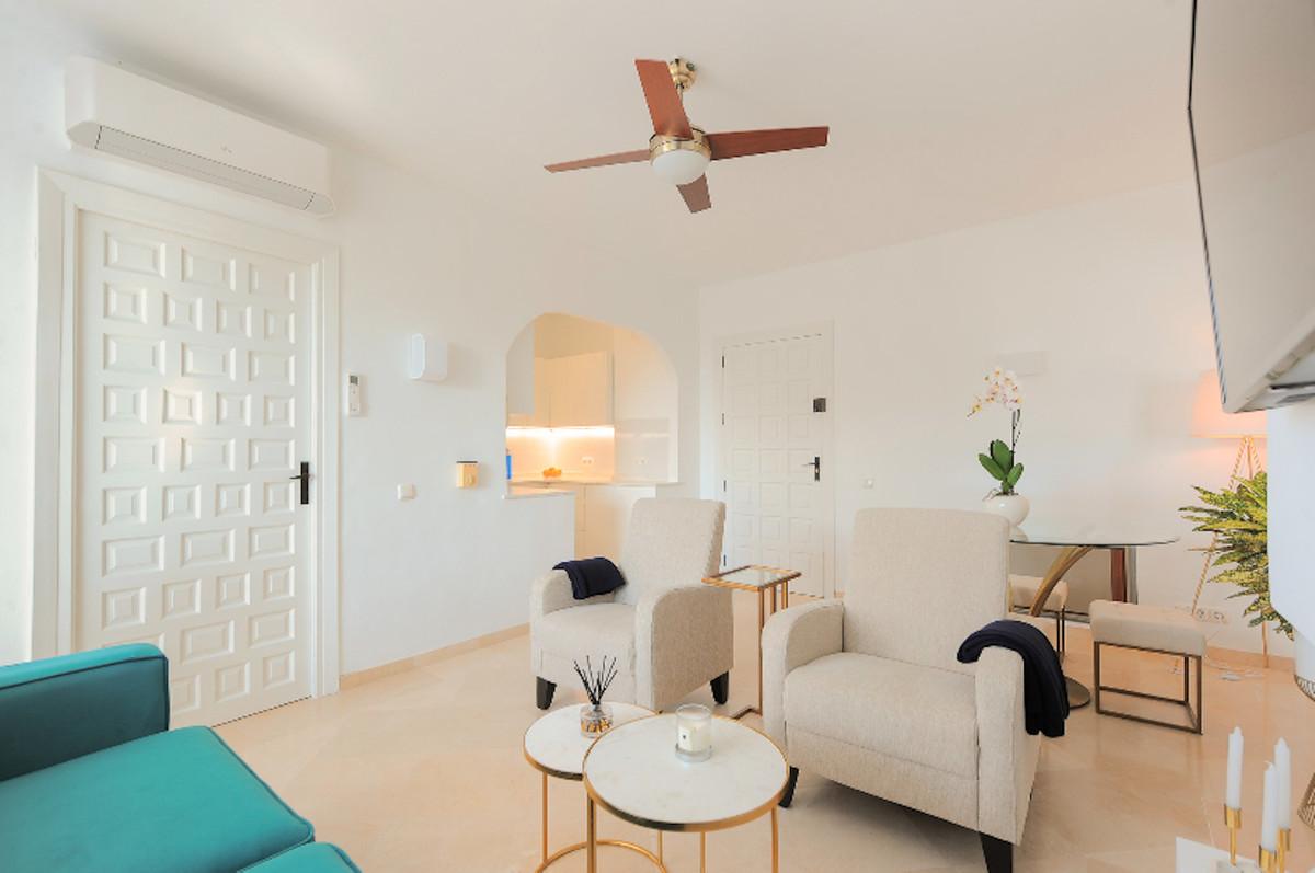 Apartamento en Venta en Guadalmina Alta – R3531334