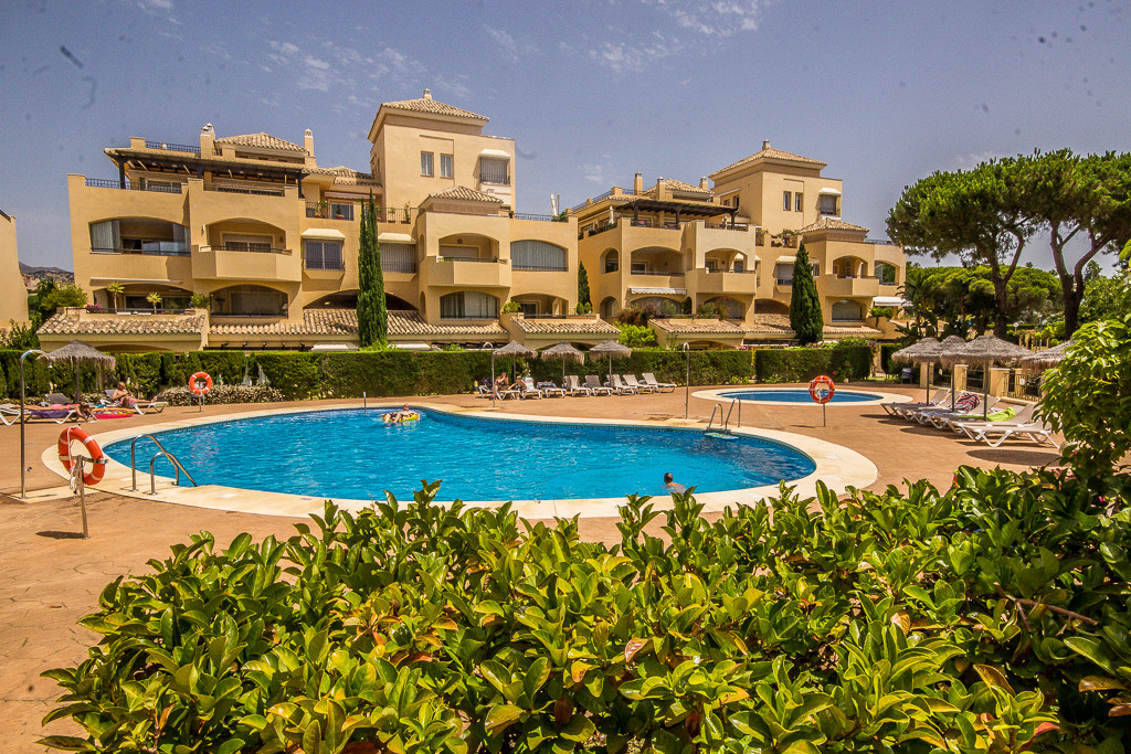 4 bedroom apartment for sale elviria