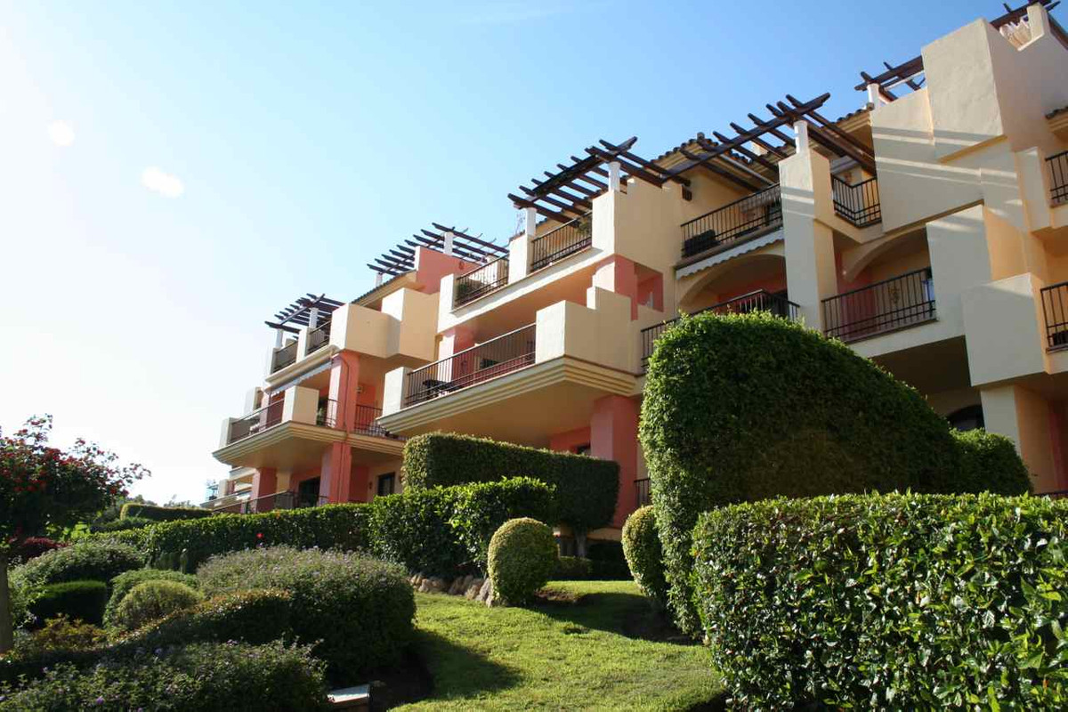 3-bed-Middle Floor Apartment for Sale in Los Arqueros
