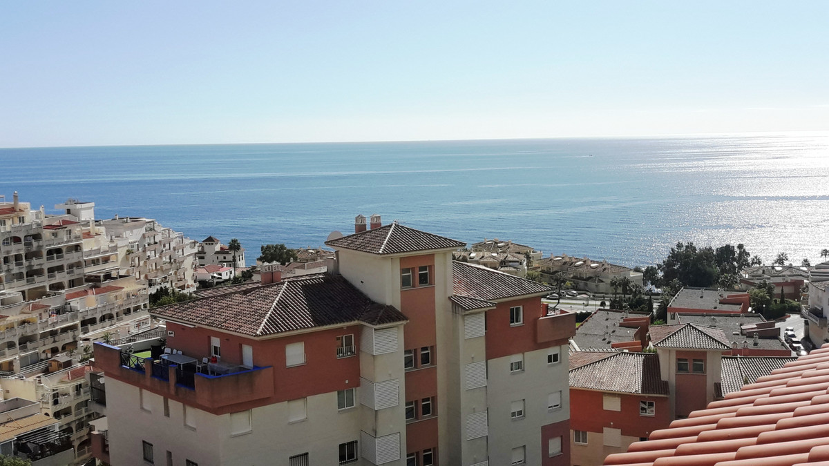 Penthouse in Toorequebrada, Benalmadena Costa with panoramic sea views Penthouse with 2 bedrooms and, Spain
