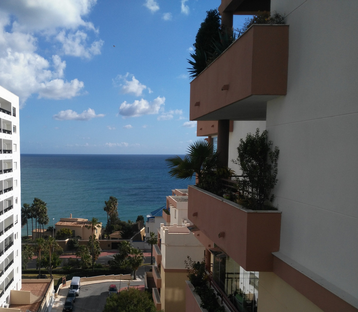 Spectacular and spacious apartment with 3 bedrooms and 2 full and exterior bathrooms. Very large kit,Spain