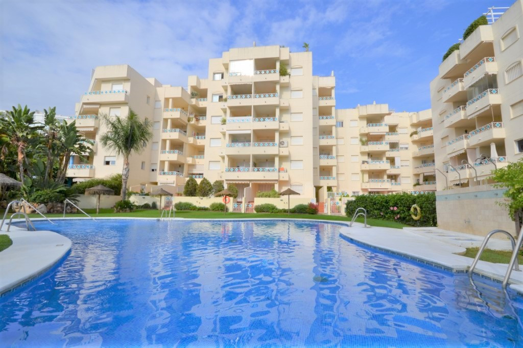 Location ! Location ! Beachside Bargain !!   Southwest facing, 3 bedroom corner apartment for sale i, Spain