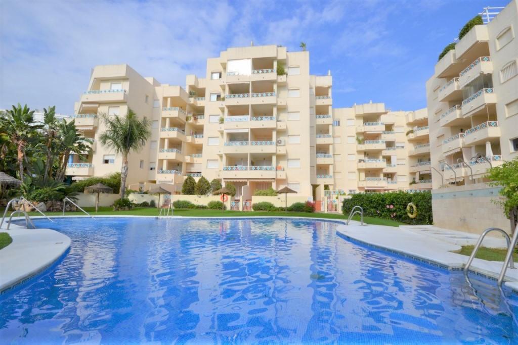 Marbella Banus Apartamento en Venta en Costabella – R3013022