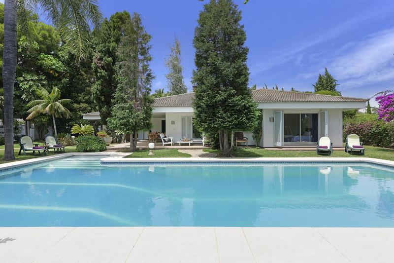 Marbella Banus Villa – Chalet, Marbella – R3319231