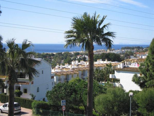 Unique Position ! This charming Town House, one of only 15, in a small and quiet gated community com, Spain