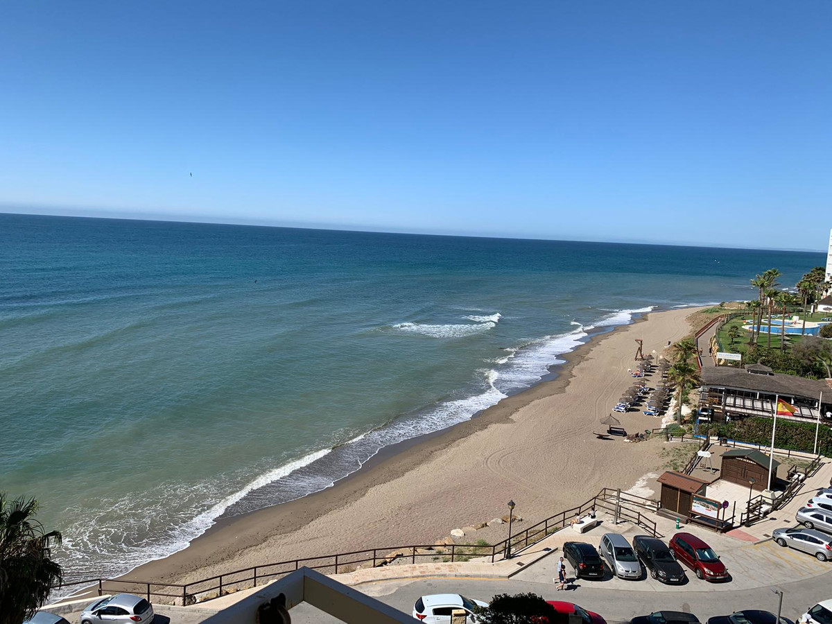 FRONT LINE BEACH  STUDIO , Calahonda Beach Area. PANORAMIC FRONT LINE VIEWS  30m2, 5TH floor, elevat, Spain