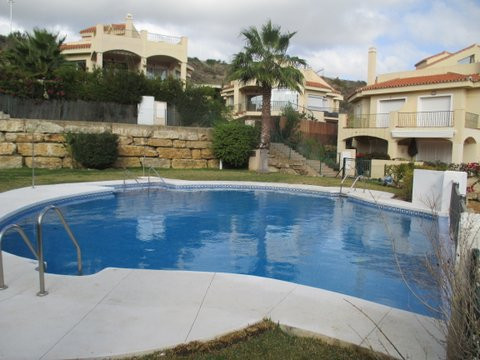 LOMAS DE RIVIERA  Spacious Town House comprising of 3 Bedrooms, 2 bathrooms ( one is en-suite) and a, Spain