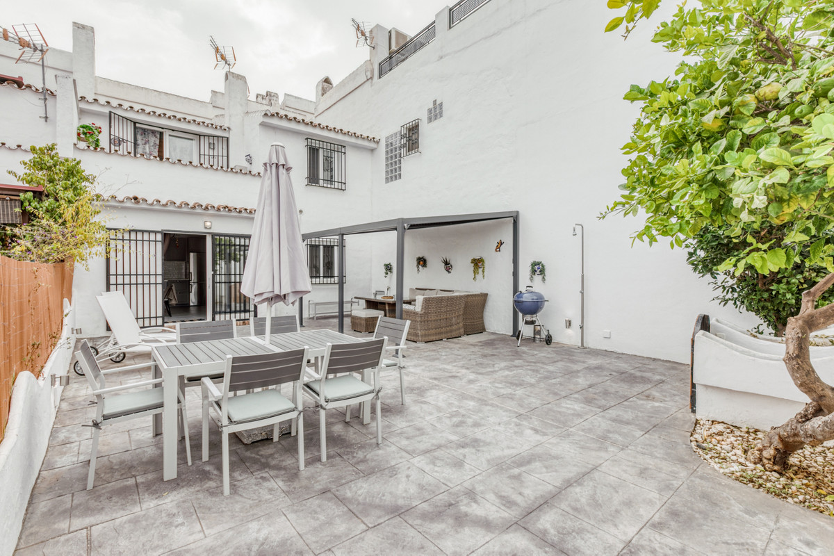 Nice newly renovated townhouse on 2 floors between San Pedro Alcantara and Estepona in the popular a,Spain