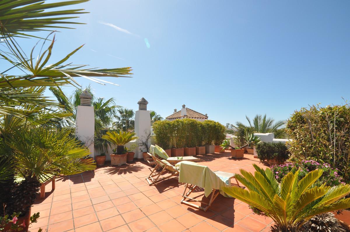 Apartamento 3 Dormitorios en Venta Nueva Andalucía