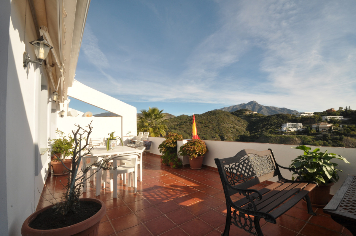 This 2-bedroom apartment combines panoramic views and space with an exclusive address right on the L,Spain
