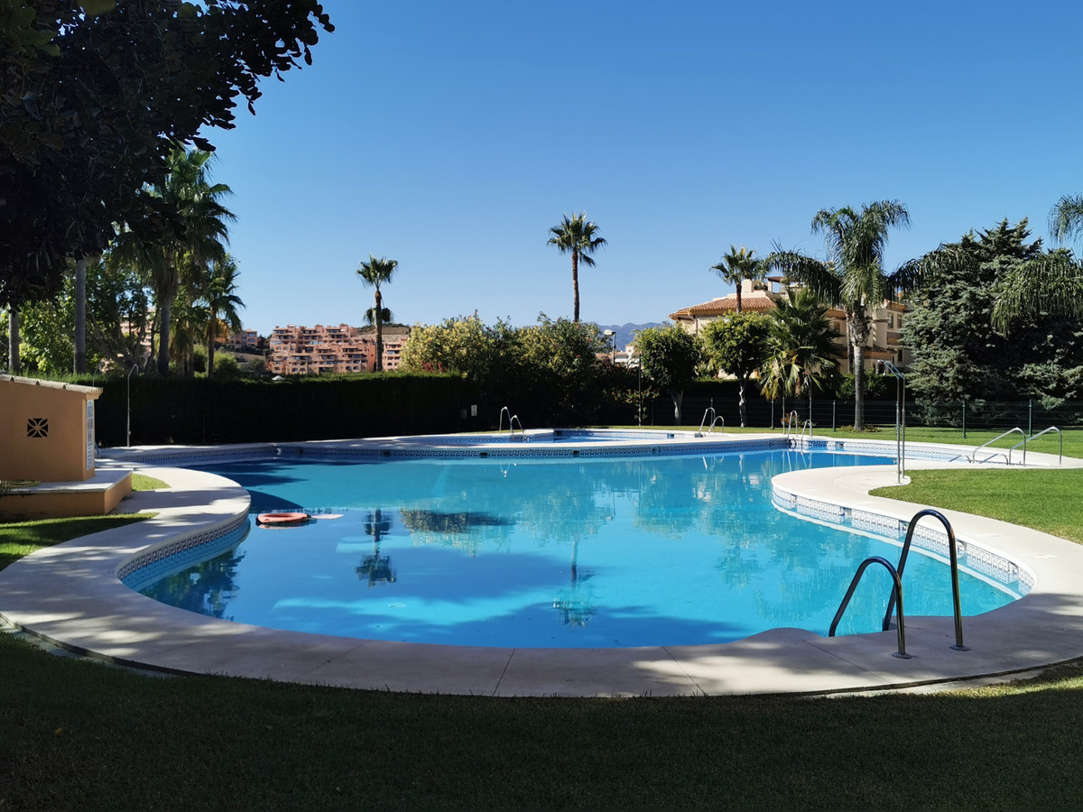 Description  A well south / south-east 3 bed 2.5 bath penthouse with a massive roof terrace which ha, Spain