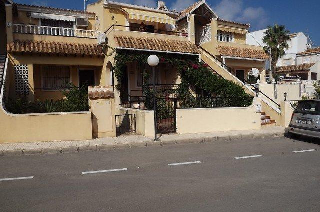 SOUTH FACING TOP FLOOR APARTMENT ON LOMAS DEL GOLF.  This property has 2 bedrooms, kitchen,lounge,so,Spain