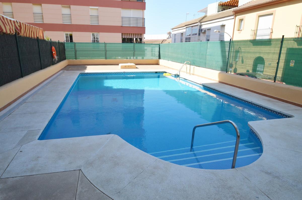 Flat, Benalmadena, Costa del Sol. 3 Bedrooms, 2 Bathrooms, Built 90 m2  Setting : Town, Commercial A,Spain