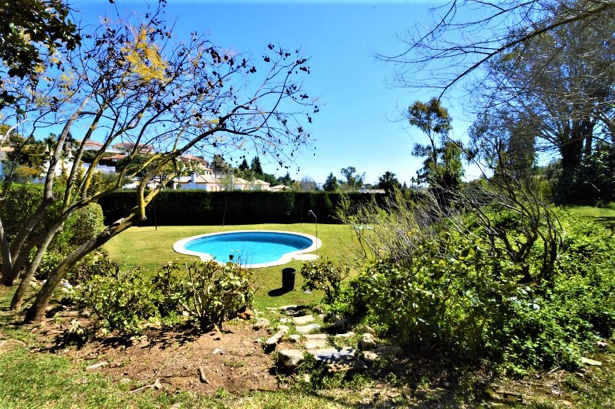 Marbella Banus Adosada en Venta en Calahonda – R3457573