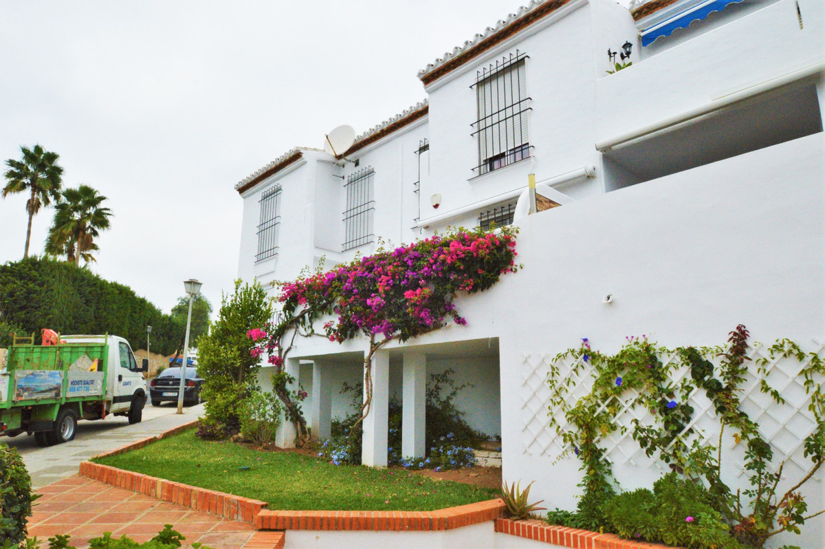 Townhouse located in very good urbanization of Cala de Mijas with an extraordinary location, close t, Spain