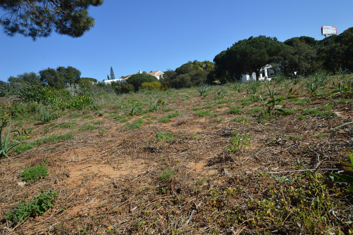 Residential Plot, Las Chapas, Costa del Sol. Garden/Plot 2581 m².  Setting : Commercial Area, Close , Spain