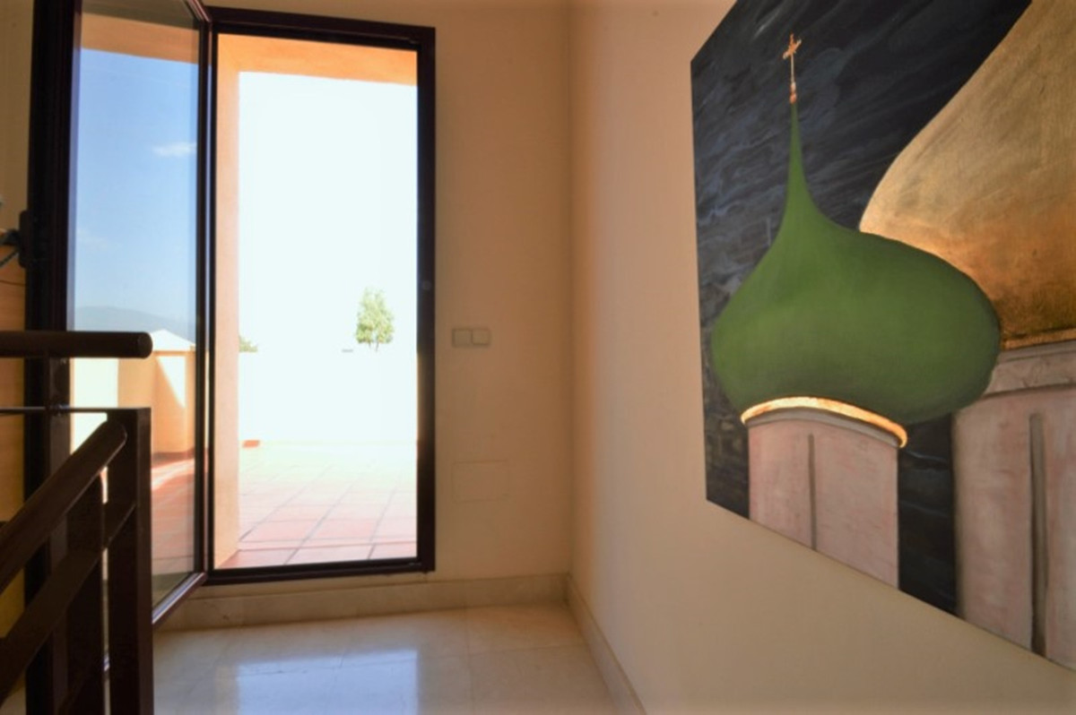 3 Bedroom Semi Detached Townhouse For Sale Nueva Andalucía