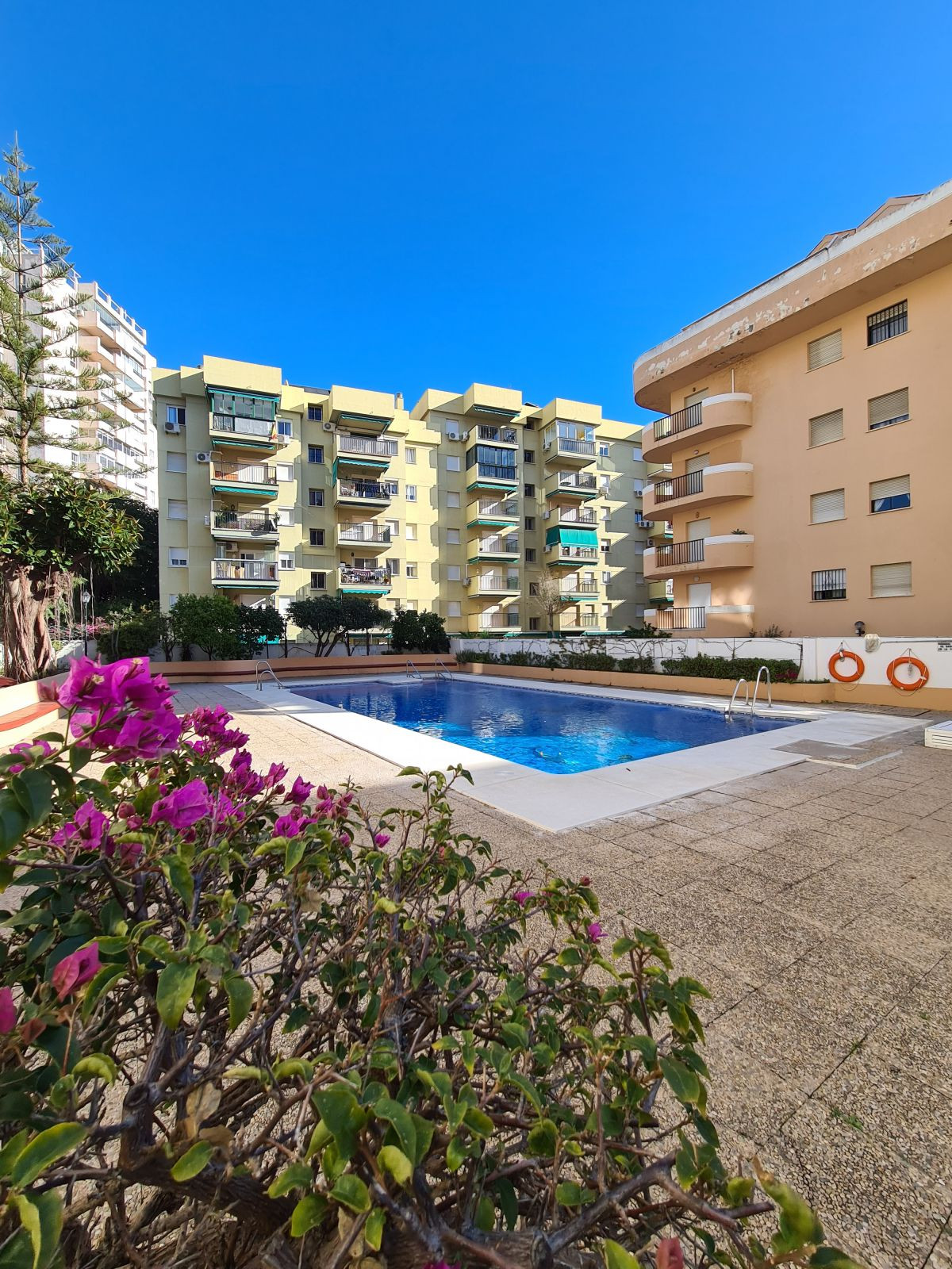Middle Floor Apartment for sale in Fuengirola R3779308