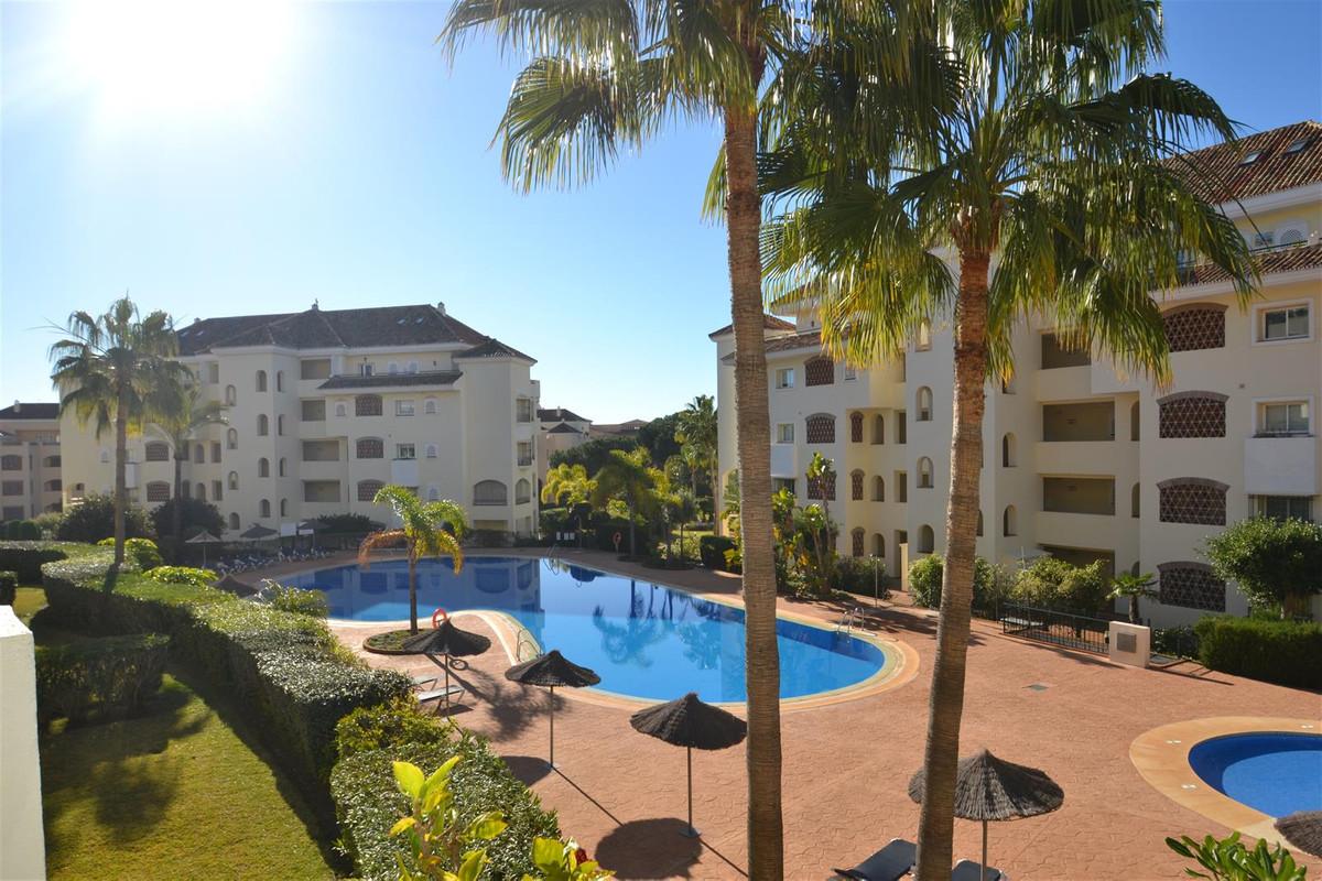 Marbella Banus Apartamento en Venta en Elviria – R3765799