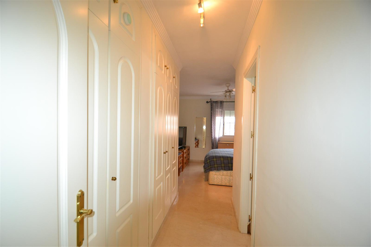 Wohnung zu verkaufen in Elviria – R3760294