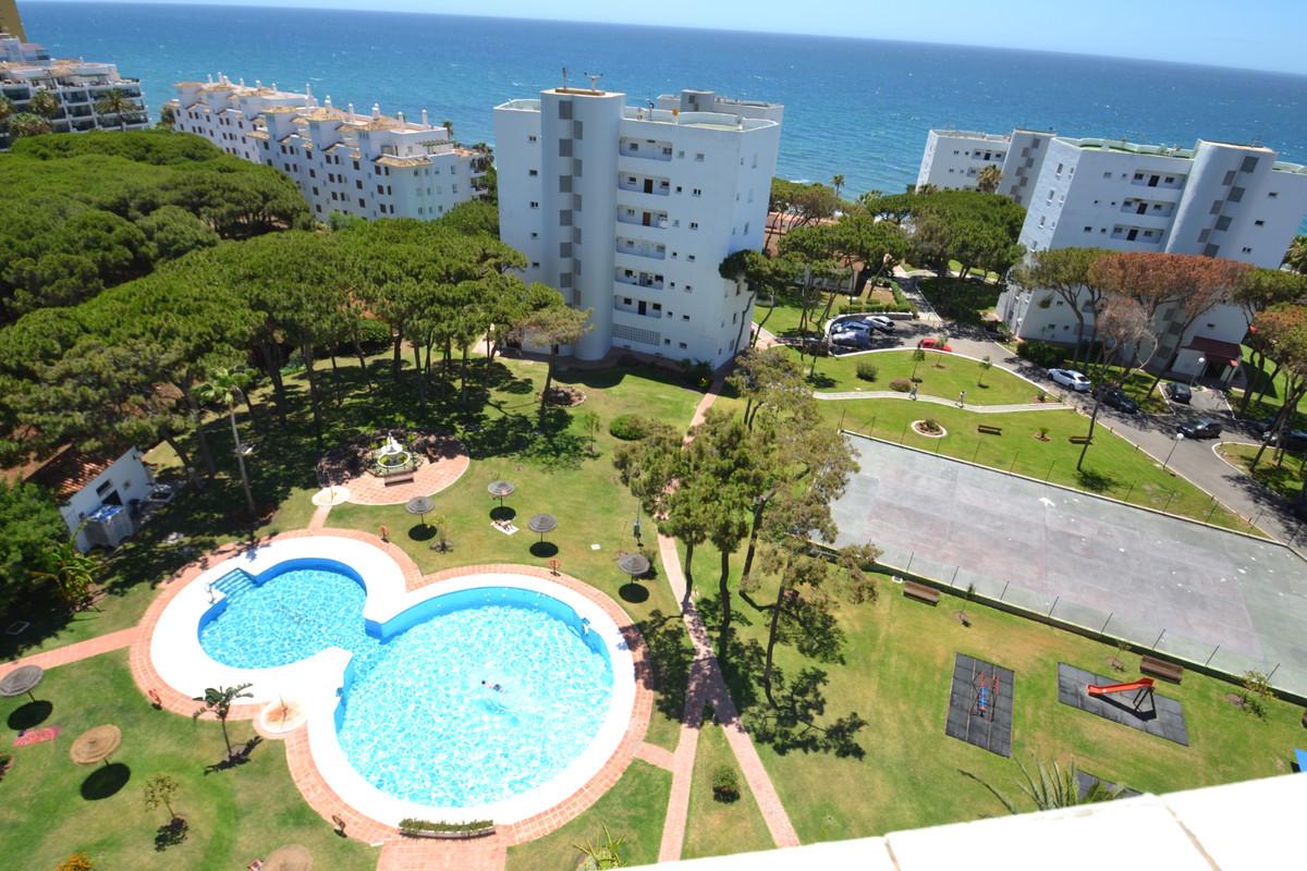 Marbella Banus Apartamento en Venta en Calahonda – R3880906