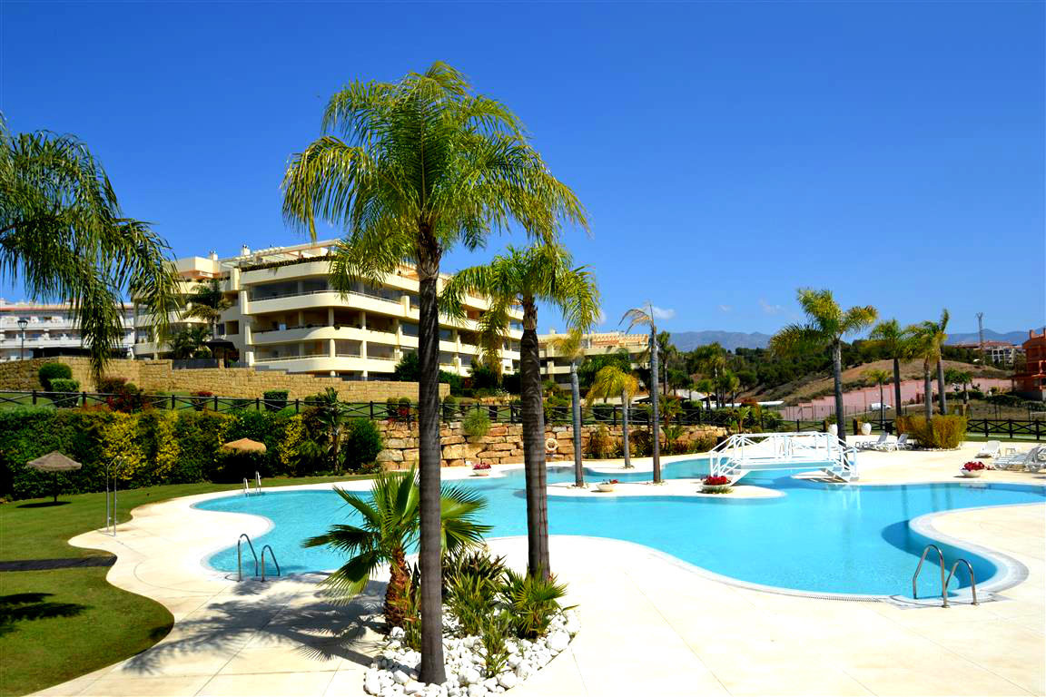Ground floor apartment with luxurious quality finishing located very close to both the sea and golf., Spain