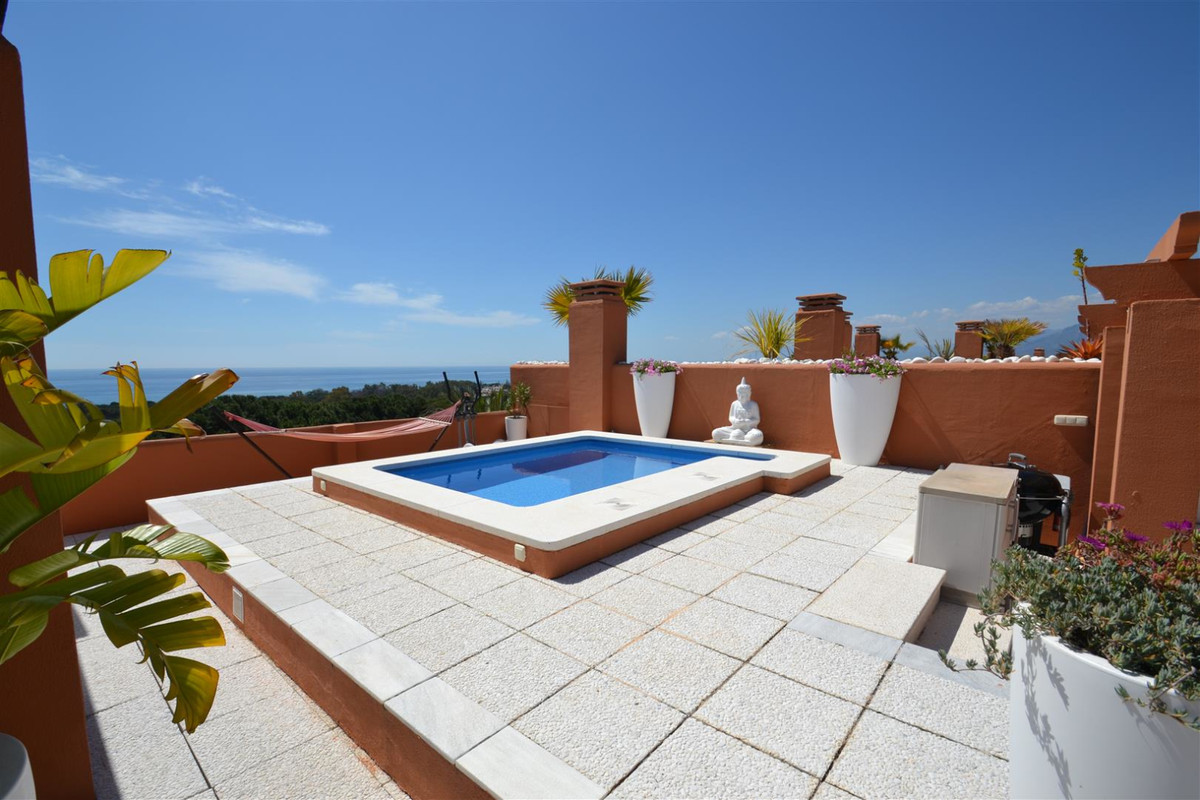 A MILLION DOLLAR VIEW FOR HALF PRICE IN CABOPINO.  FRONTLINE GOLF WITH PANORAMIC VIEWS OF THE COAST Spain