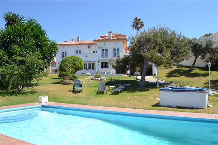 Detached Villa, El Faro, Costa del Sol. 4 Bedrooms, 3 Bathrooms, Built 309 m², Terrace 50 m², Garden,Spain