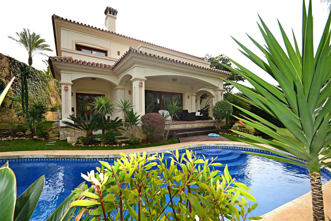 Luxury villa situated in the most exclusive part of Calahonda. The villa is built on two levels, wit, Spain