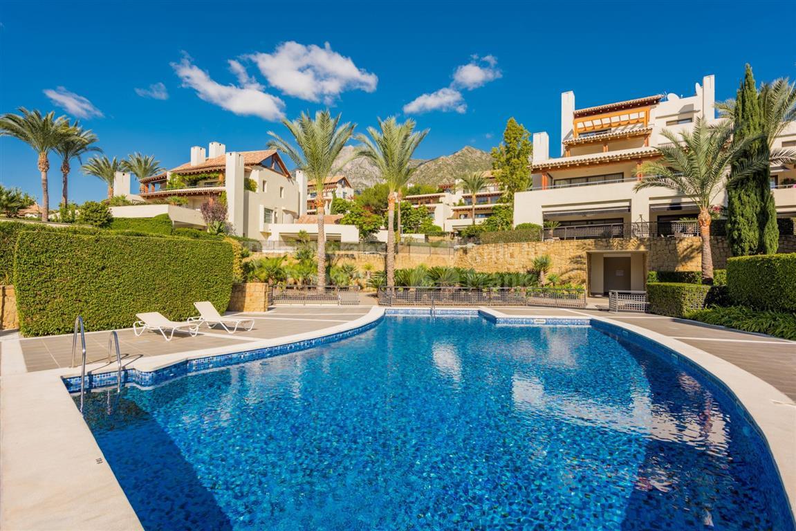 Marbella Banus Apartamento Planta Media en Venta en Marbella – R3164035