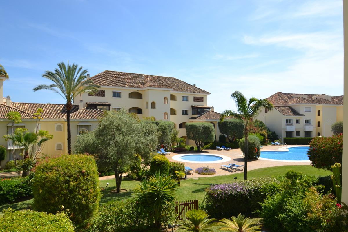 Marbella Banus Apartamento en Venta en Bahía de Marbella – R3425698