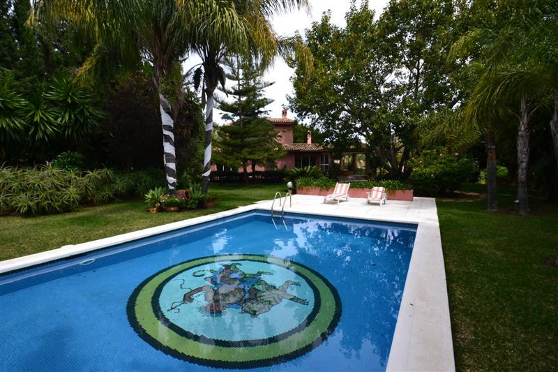 Absolutely spectacular mansion located at the bottom part of Torrenueva. It is located close to all ,Spain
