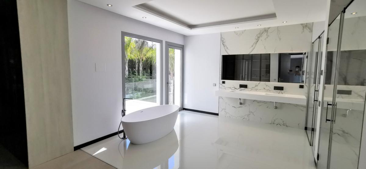 House in Guadalmina Baja R2754428 17