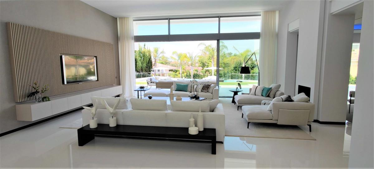 House in Guadalmina Baja R2754428 5