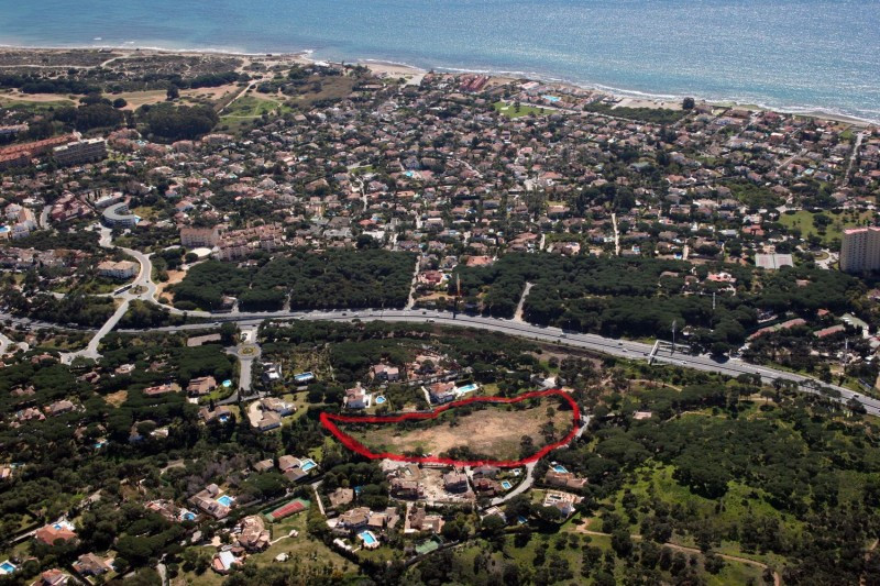 Unique opportunity! 5 building plots next to each other, with a total of 11.200 sqm, located at only,Spain