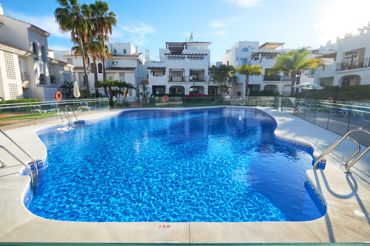 New Exclusive listing situated in a popular gated complex on San Pedro beach! We are proud to presen,Spain