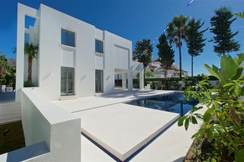 First Occupancy Licence in place! Brand new modern south facing villa located close to San Pedro tow, Spain