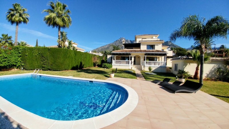 Stunning south facing Villa in Nagueles, renowned residential area close to Marbella town. The Villa,Spain