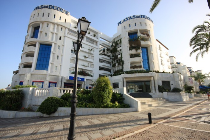 Fantastic 3 bedroom apartment on the 1st floor in a high luxury building in a beachfront development Spain