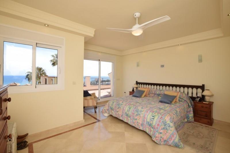 House in Riviera del Sol R2667275 10