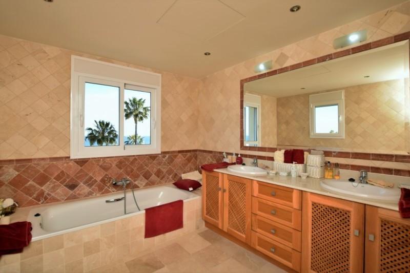 House in Riviera del Sol R2667275 14