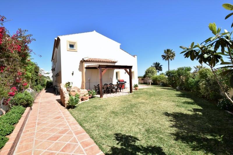 House in Riviera del Sol R2667275 15