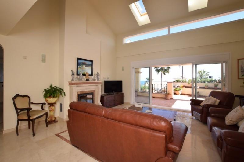 House in Riviera del Sol R2667275 4