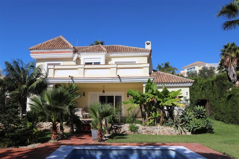 The villa in Santa Mª Golf Elviria is located in a privileged location in an ideal setting with all , Spain