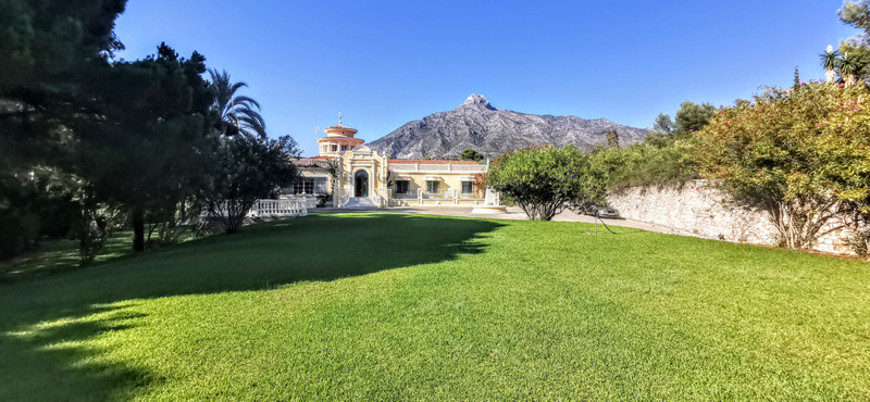 Detached Villa in The Golden Mile
