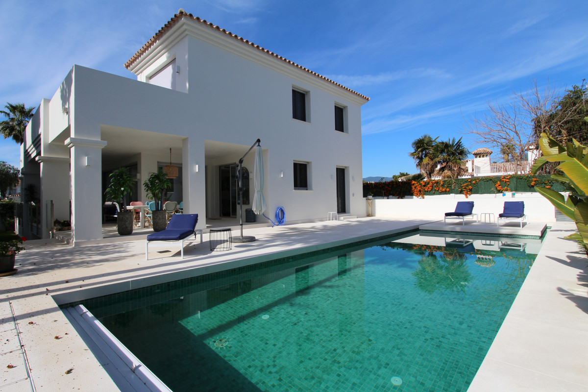 NEW! We present this fantastic contemporary beach side Villa in San Pedro, near Marbella & Puert, Spain