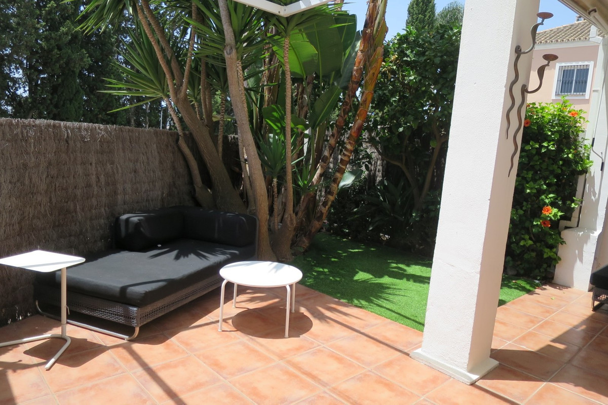 Semi-Detached House for sale in Nueva Andalucía